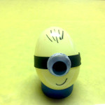 Minion Egg table decoration